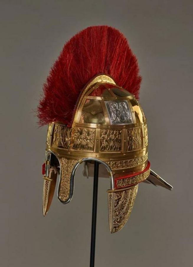 https://www.ancient-origins.net/sites/default/files/styles/large/public/reconstructed-helmet-Staffordshire-hoard.jpg?itok=hAu8sK_g